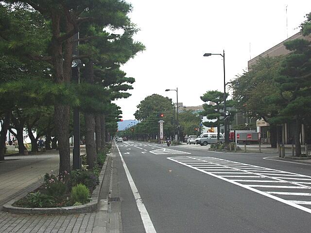 官庁街通り