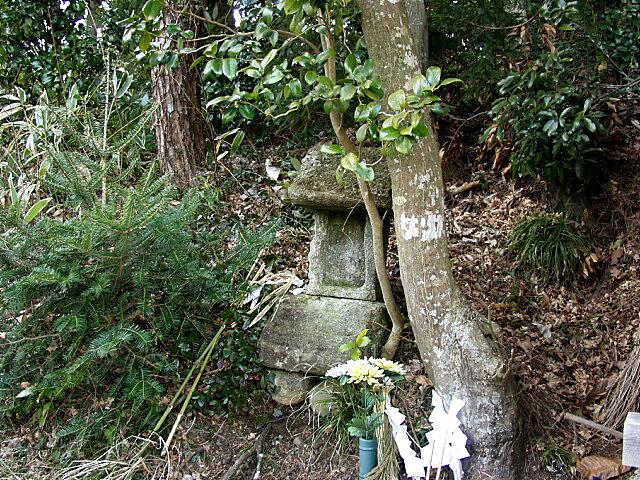 皆鶴姫供養祠