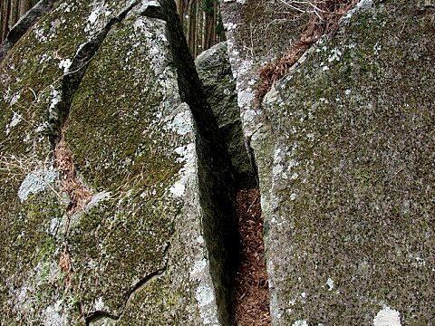 高野山の巨石
