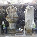 於梅・大八の墓