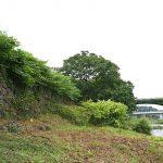 渡河する敵への備え…大橋長大石垣