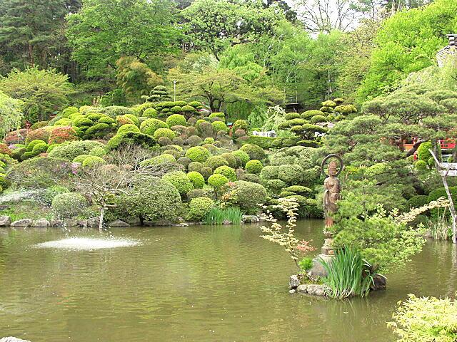 方長老作の庭園